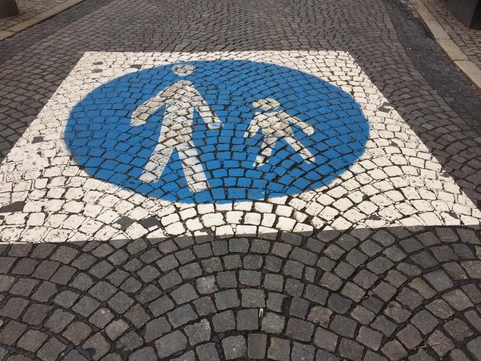 Fußgänger first!